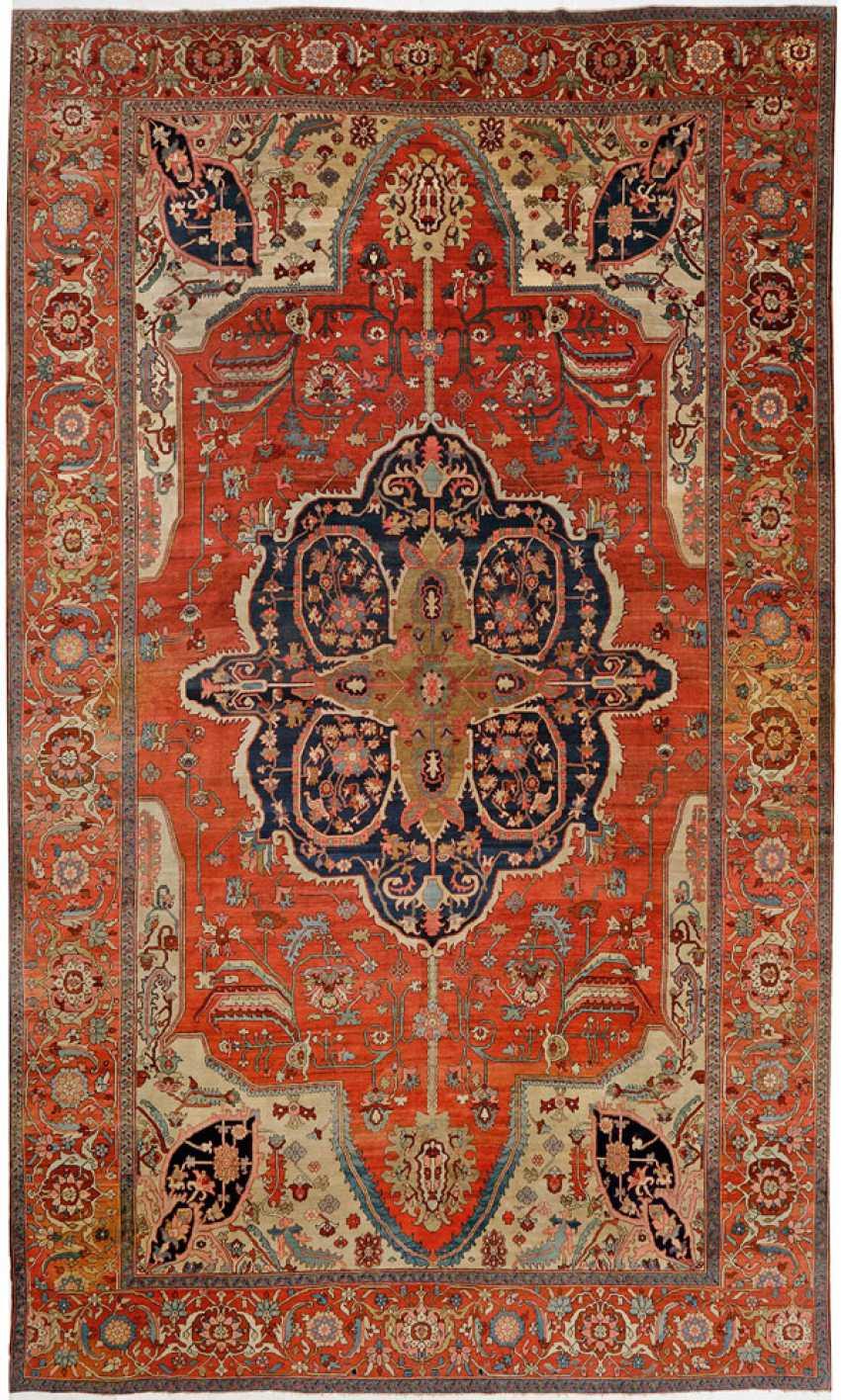 Very rare antique oversize Heriz carpet - photo 1