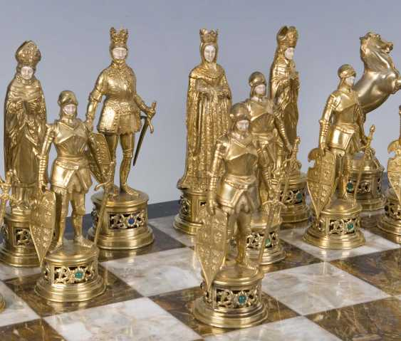 Large Magnificent Historicism-The Chess Game
