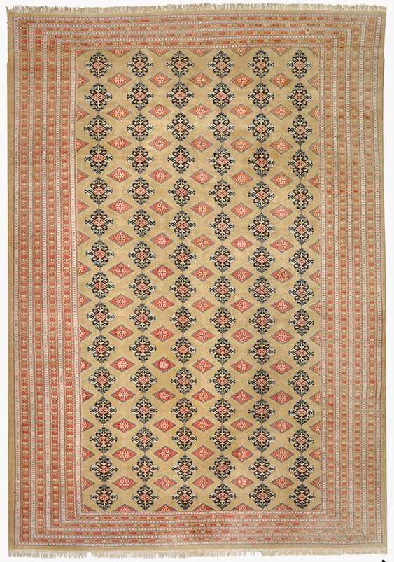 Oversized Bukhara Carpet - photo 1
