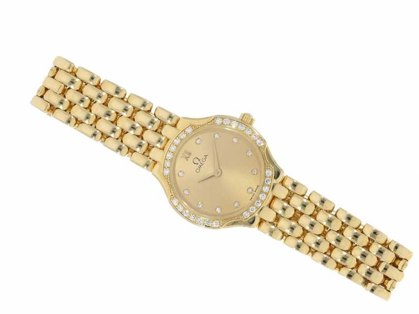 Wrist watch: a classic, very valuable 18K Gold ladies watch from Omega, a luxury version with diamond setting, very well maintained condition - photo 4