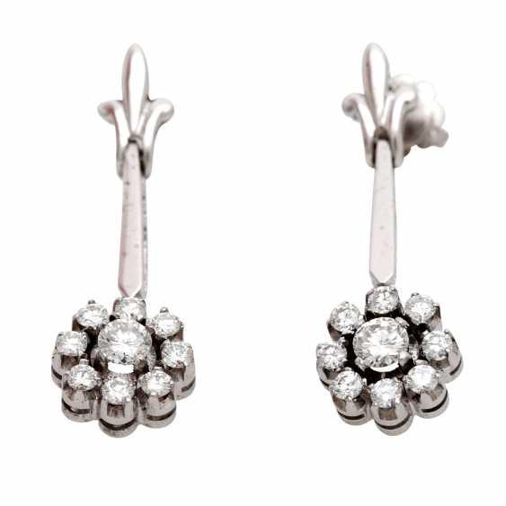 Stud earrings m. diamond trimming - photo 1