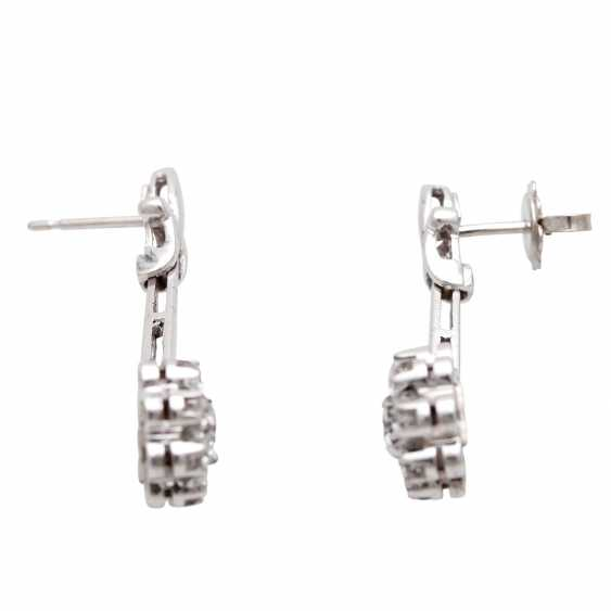Stud earrings m. diamond trimming - photo 2