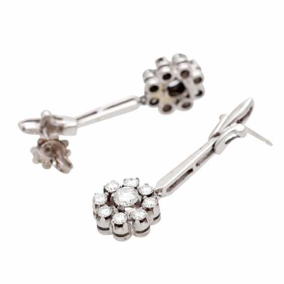 Stud earrings m. diamond trimming - photo 3
