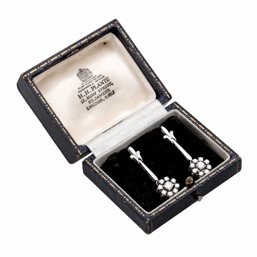 Stud earrings m. diamond trimming - photo 6