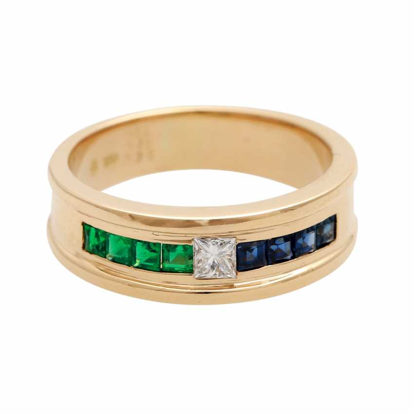 Ladies ring with emeralds, sapphires, and 1 diamond - photo 1
