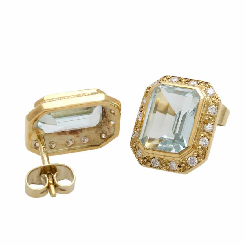 Stud earrings with aquamarine - photo 3