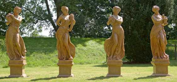 Four large Park sculptures of the four seasons - photo 1
