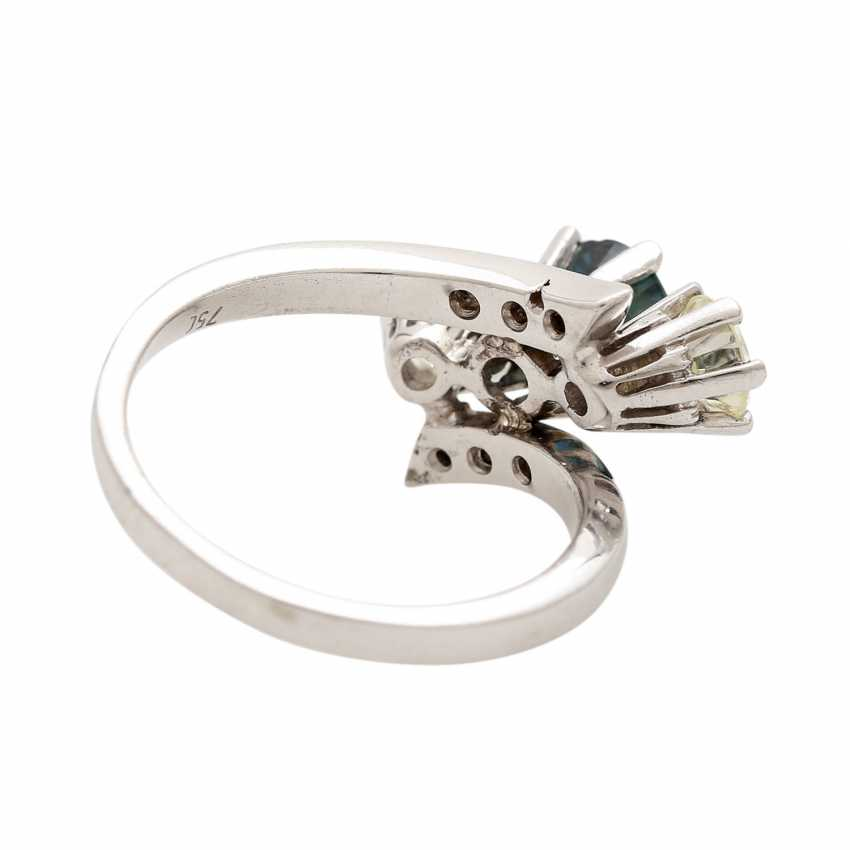 Ring with 1 sapphire, 2 brilliant-cut diamonds - photo 3