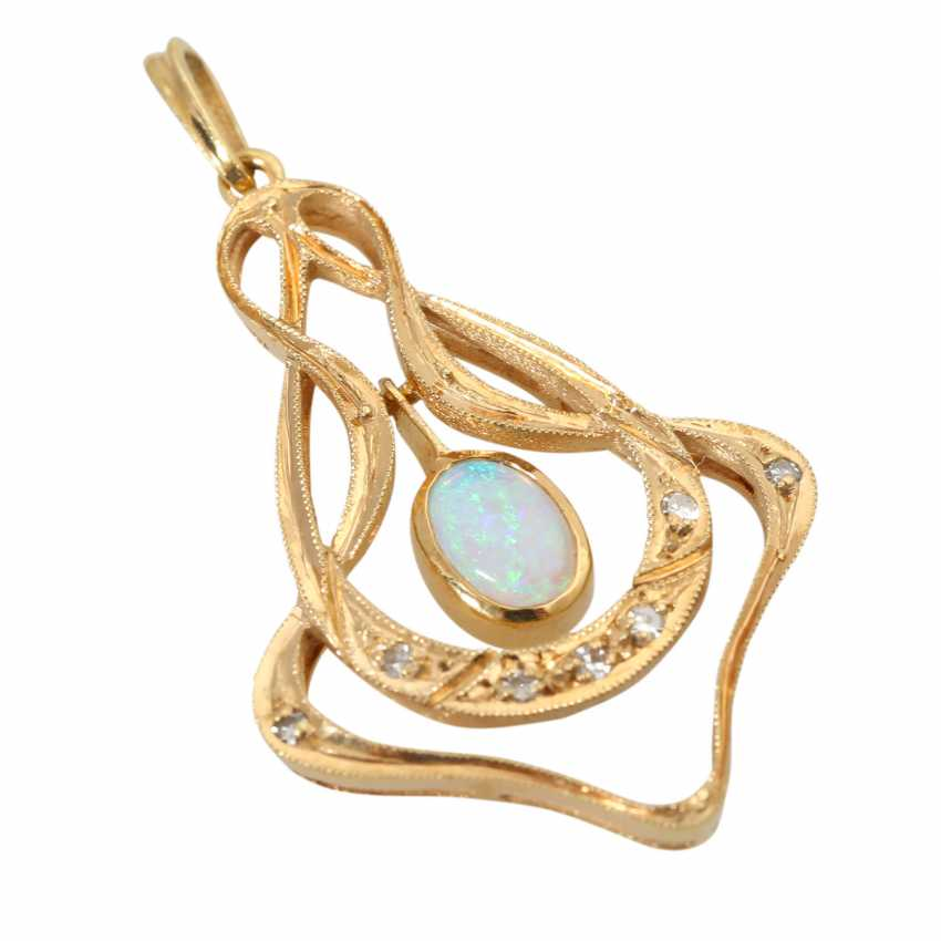 Pendant with oval opal cabochon - photo 3