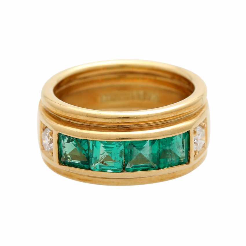 Ring mit 4 Smaragdcarrés und 2 Brillanten - photo 1