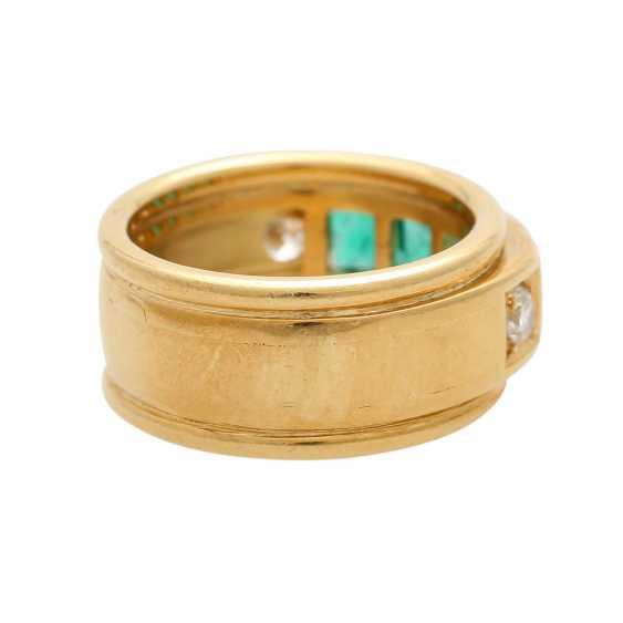 Ring mit 4 Smaragdcarrés und 2 Brillanten - photo 3
