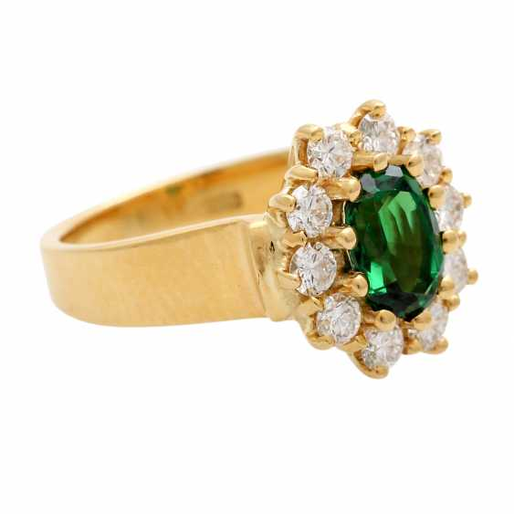 Ring with tsavorite, oval faceted surrounded by 10 brilliant - photo 2