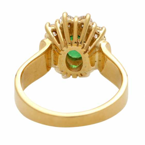 Ring with tsavorite, oval faceted surrounded by 10 brilliant - photo 4