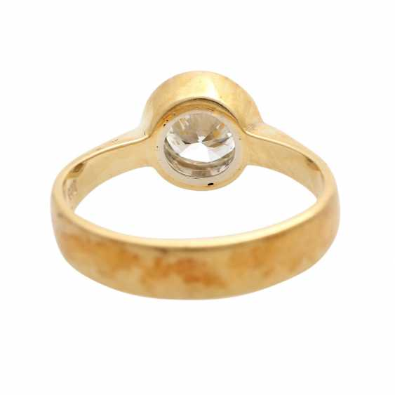 Engagement ring with 1 diamond approximately 0.9 ct, - photo 4