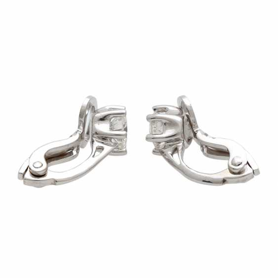 Solitaire clip-on earrings, each with 1 brilliant together approximately 0.8 ct, - photo 2