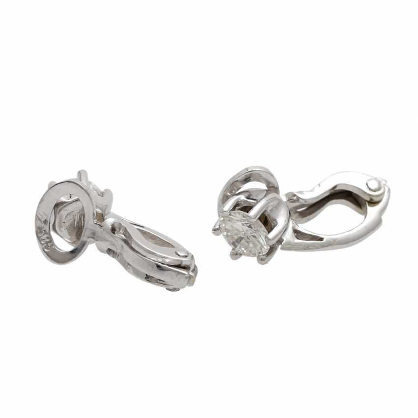 Solitaire clip-on earrings, each with 1 brilliant together approximately 0.8 ct, - photo 3