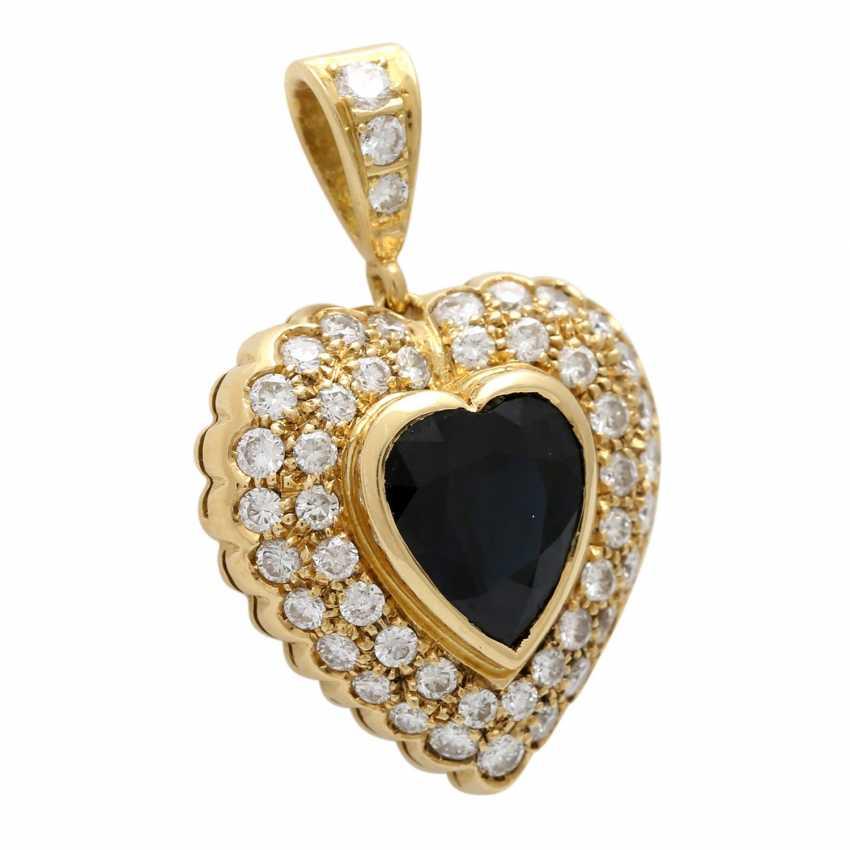 Heart pendant with 1 sapphire, entouriert of 48 brilliant-cut diamonds - photo 2