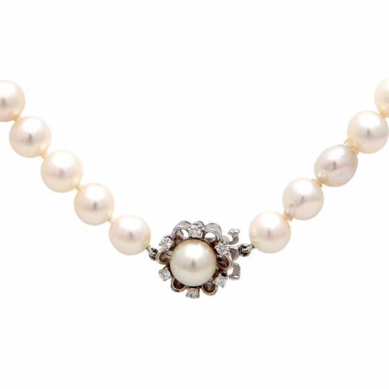 Necklace of Akoya cultured pearls in history - photo 3