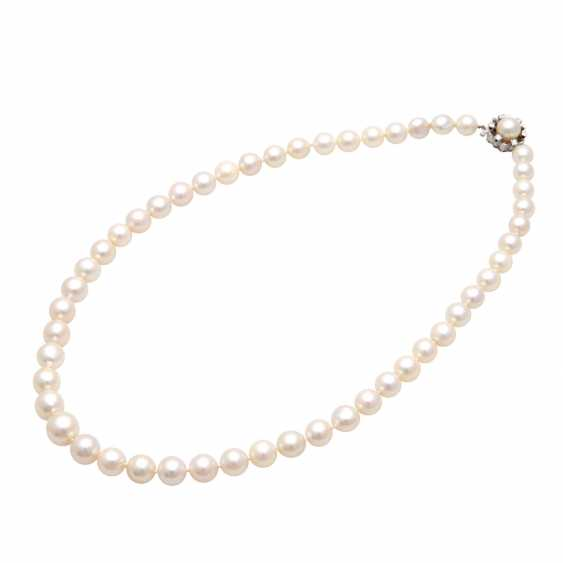 Necklace of Akoya cultured pearls in history - photo 4
