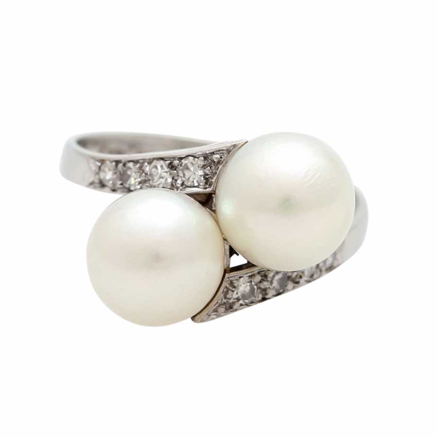 Ring with 2 cultured pearls and diamonds - photo 1