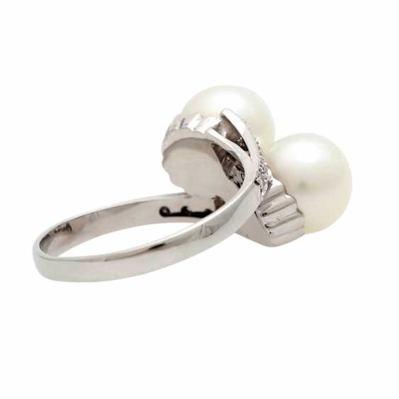 Ring with 2 cultured pearls and diamonds - photo 3
