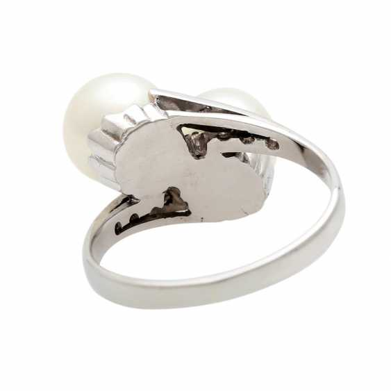 Ring with 2 cultured pearls and diamonds - photo 4