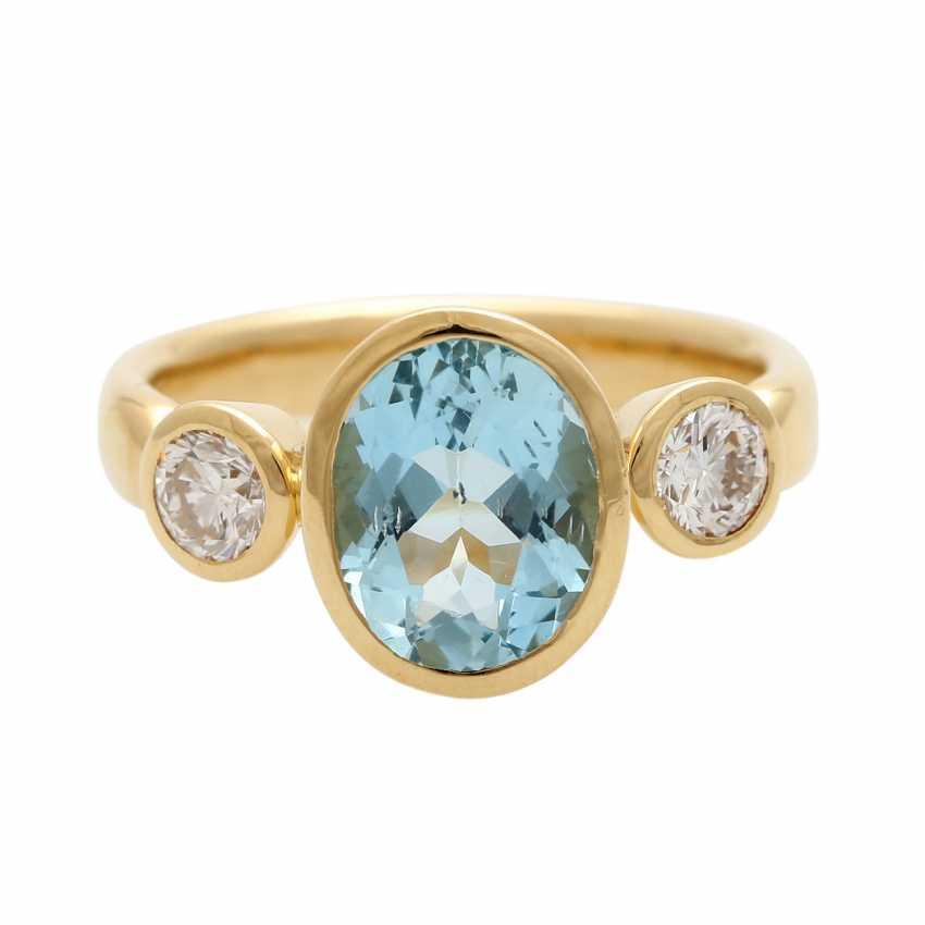 Ladies ring with 1 aquamarine and 2 diamonds - photo 1