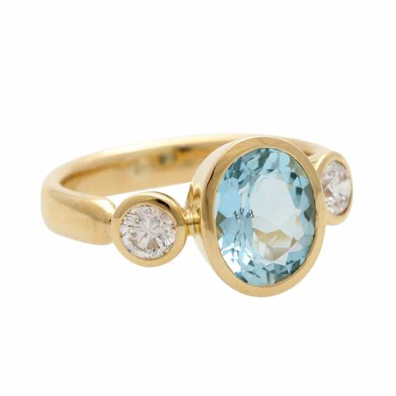 Ladies ring with 1 aquamarine and 2 diamonds - photo 2