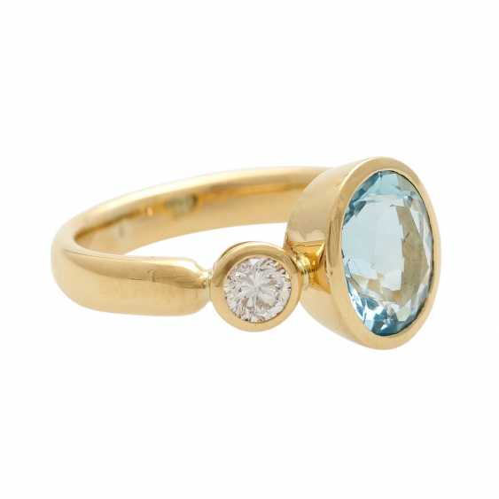 Ladies ring with 1 aquamarine and 2 diamonds - photo 3