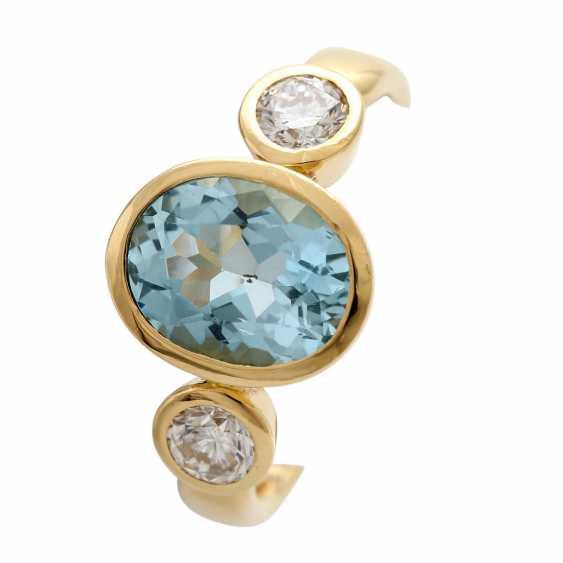 Ladies ring with 1 aquamarine and 2 diamonds - photo 6