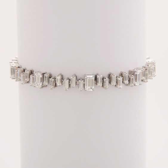 Bracelet made of diamonds - photo 1