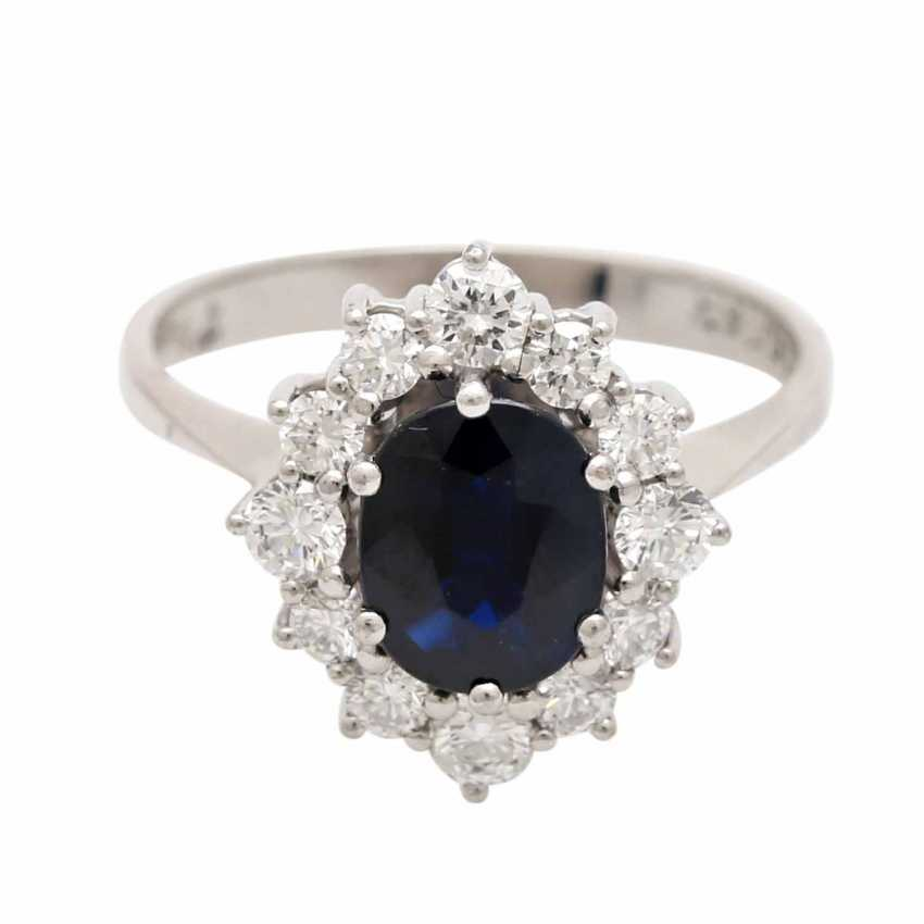 Ladies ring studded with 1 ovalfac. Sapphire approx 1,63 ct - photo 1