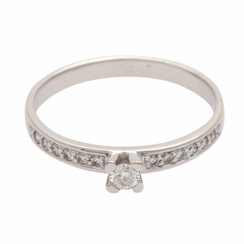 Ladies ring studded with 1 diamond - photo 1