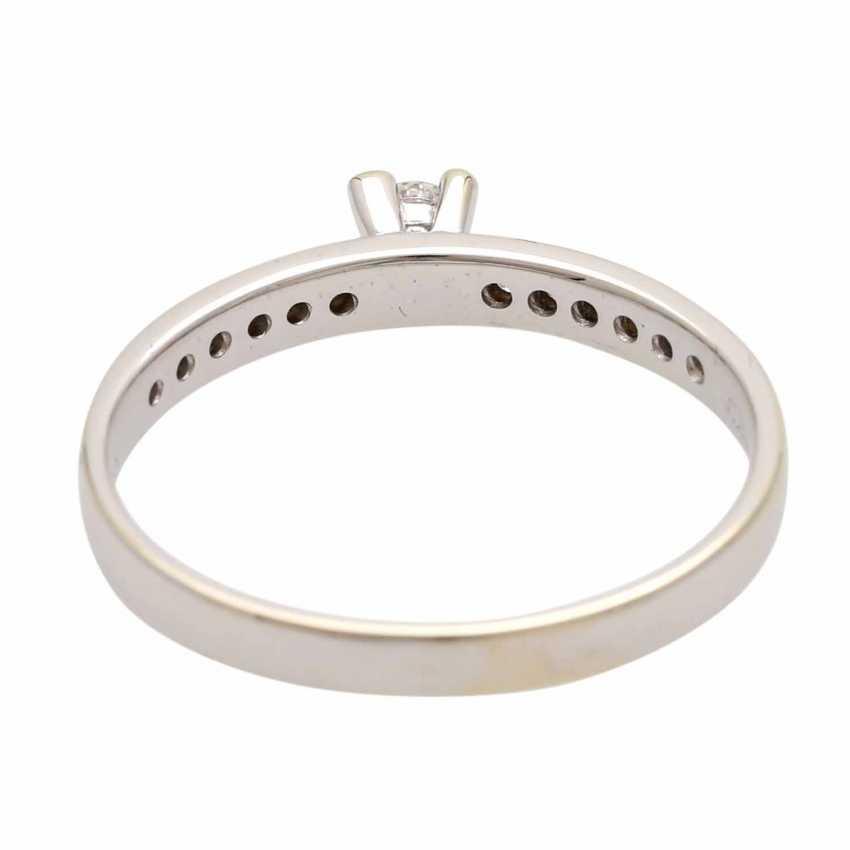 Ladies ring studded with 1 diamond - photo 4