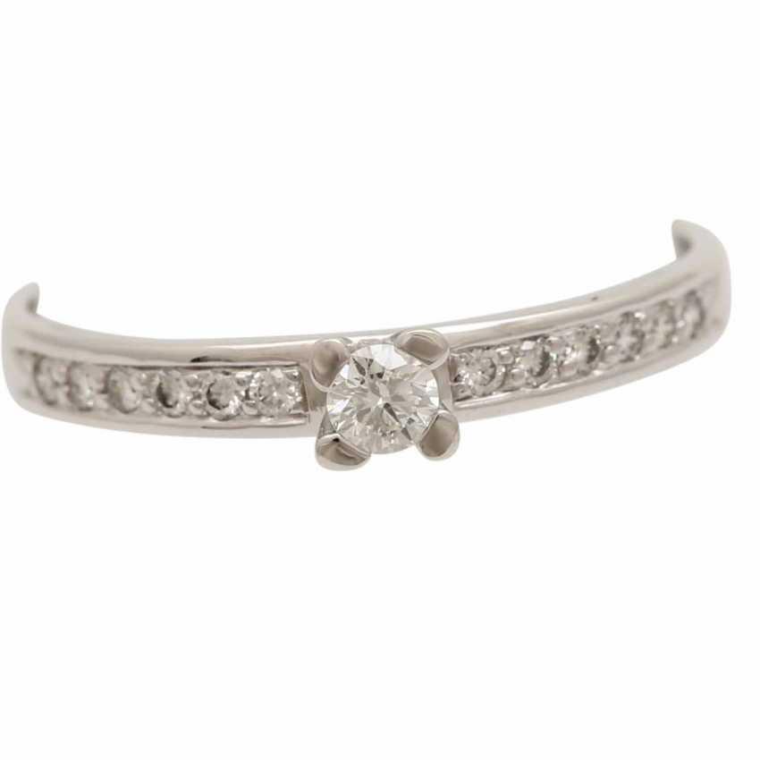 Ladies ring studded with 1 diamond - photo 5