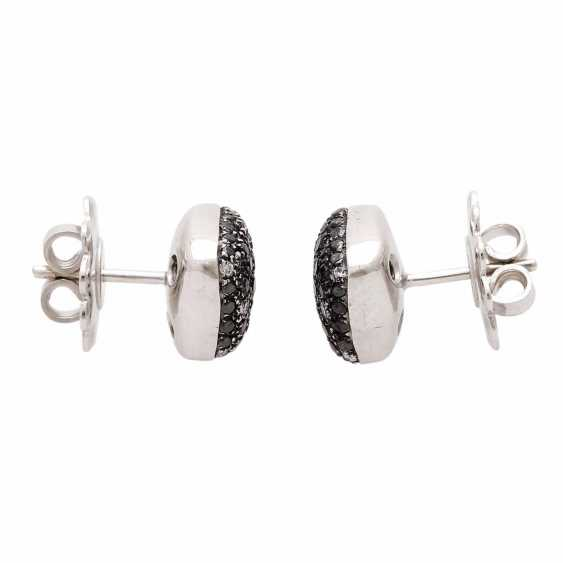 Stud earrings (Pair) studded with black diamonds - photo 3