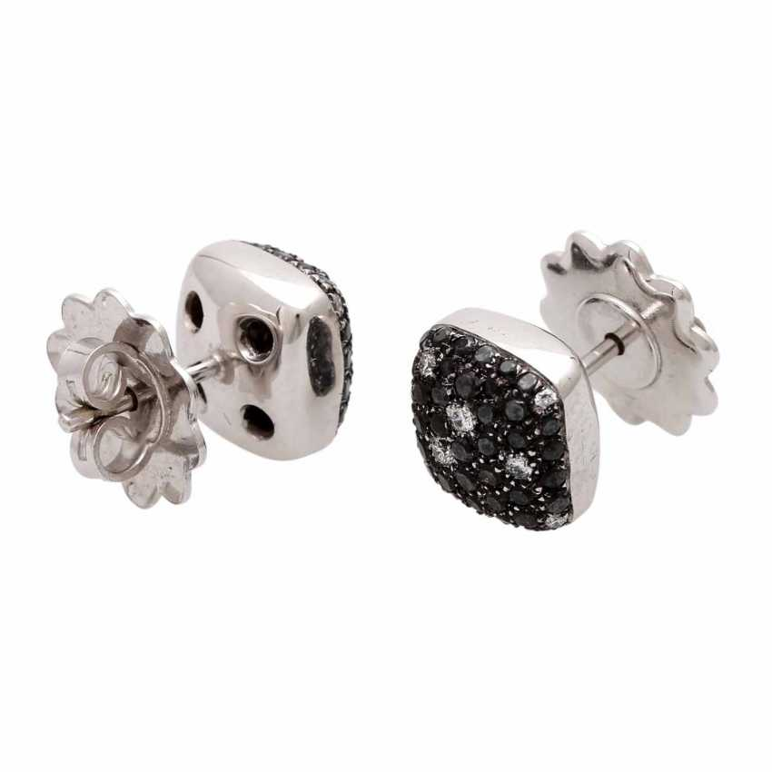 Stud earrings (Pair) studded with black diamonds - photo 4