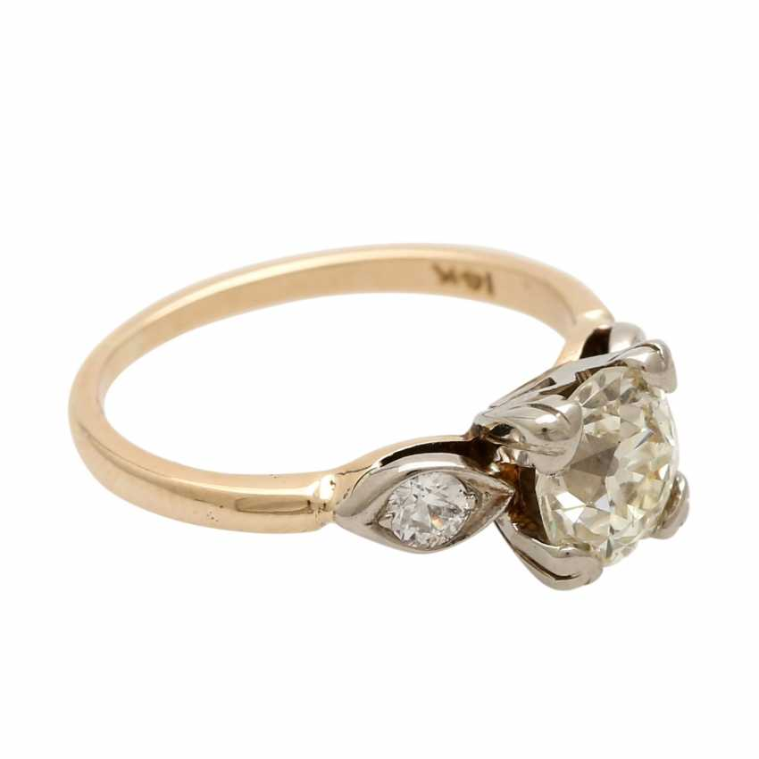 Ladies ring studded with 1 old European cut diamond approximately 1,3 ct, - photo 2