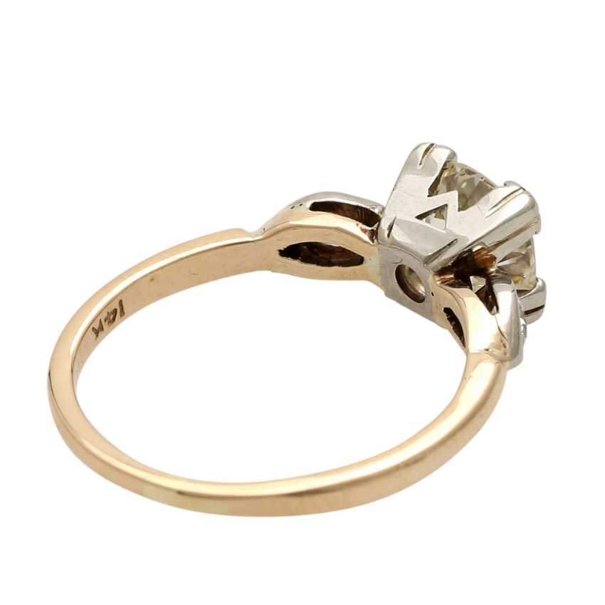 Ladies ring studded with 1 old European cut diamond approximately 1,3 ct, - photo 3