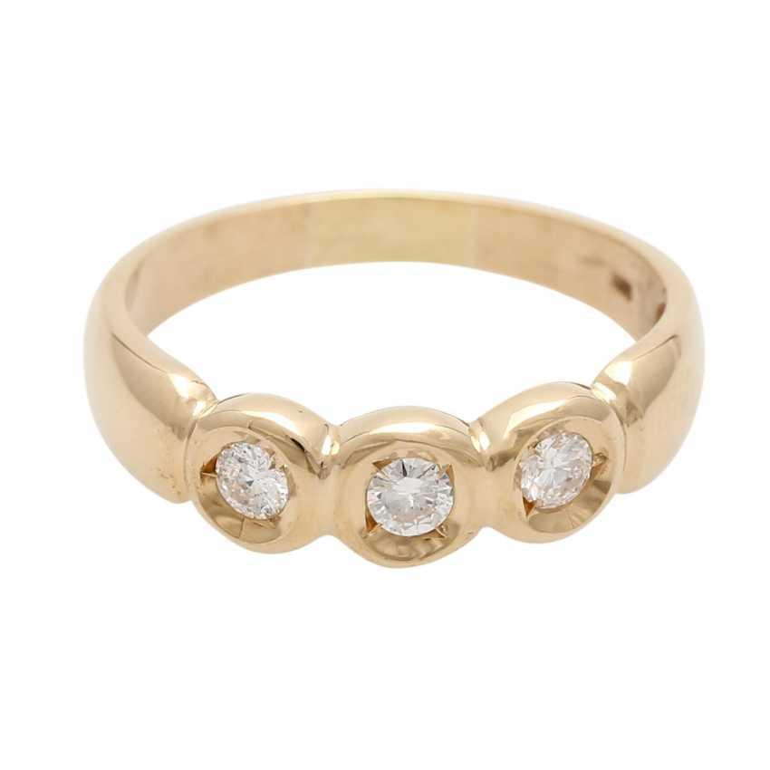 Ladies ring with 3 diamonds - photo 1
