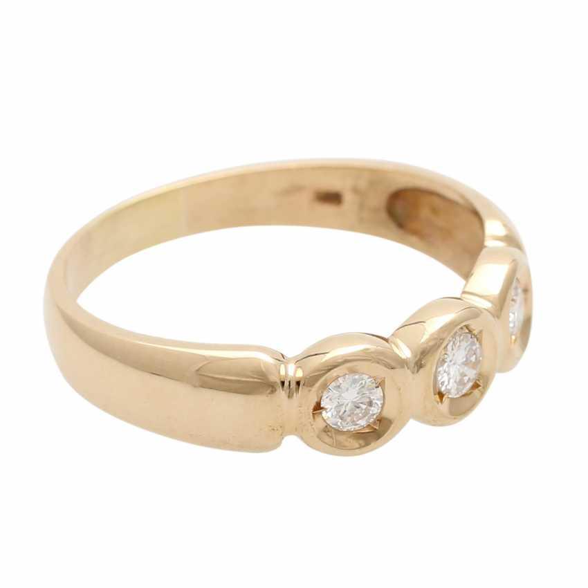 Ladies ring with 3 diamonds - photo 2