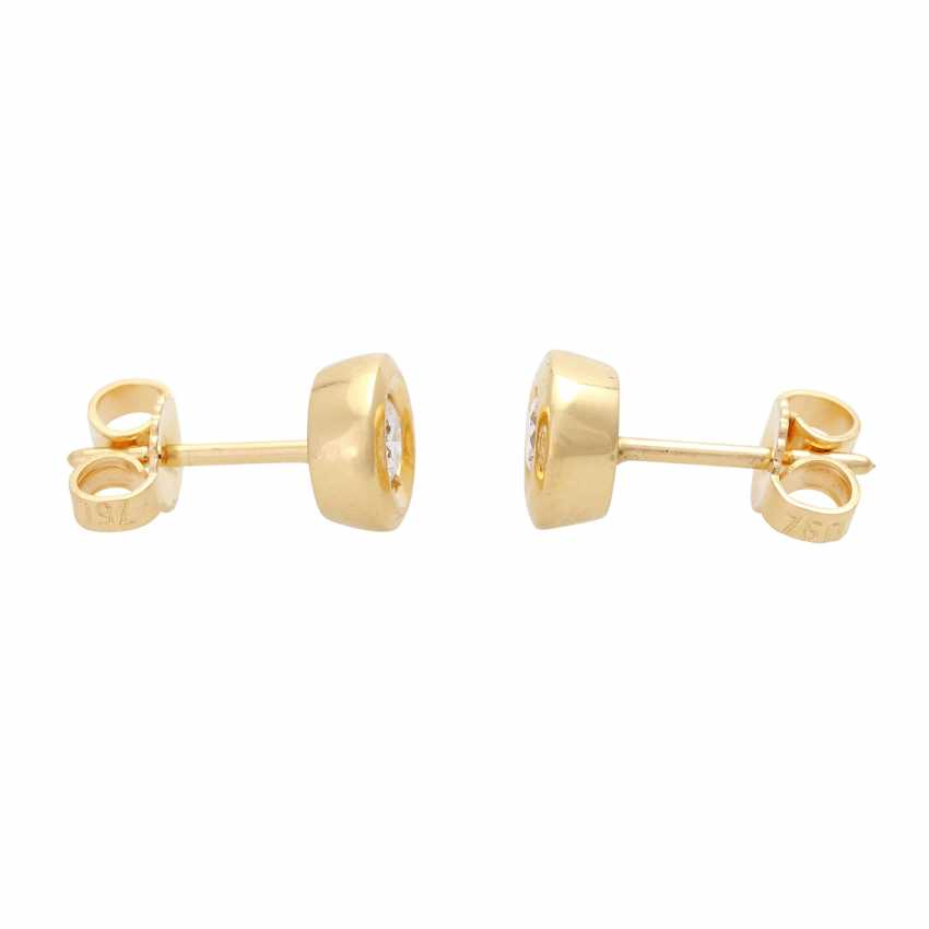 Pair of stud earrings with brilliant - photo 2