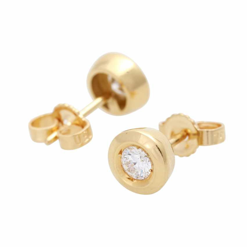 Pair of stud earrings with brilliant - photo 3