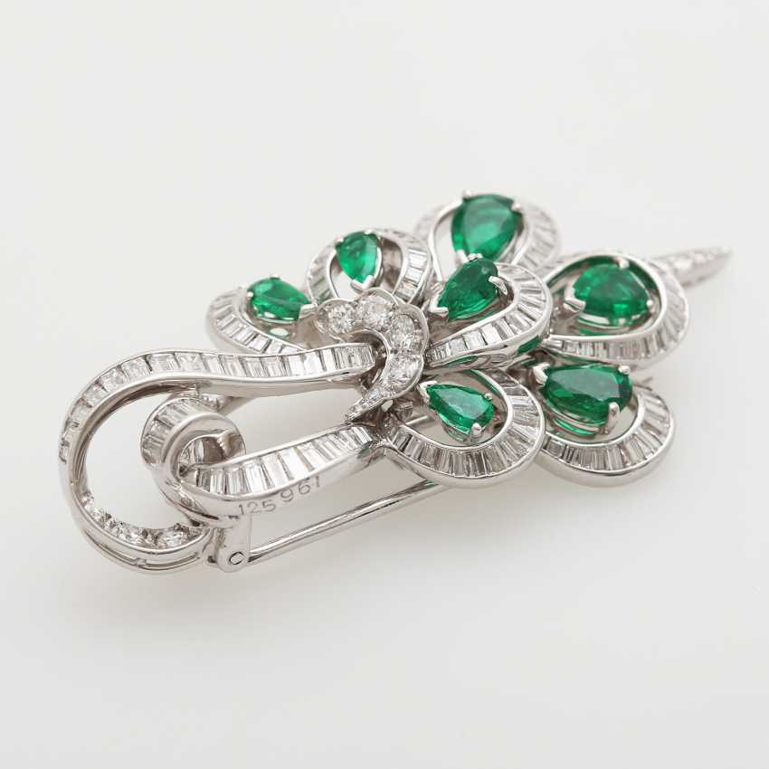 Brooch studded with seven emerald drops - photo 2