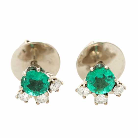 Ear studs, each with 1 emerald and 3 diamonds, - photo 1