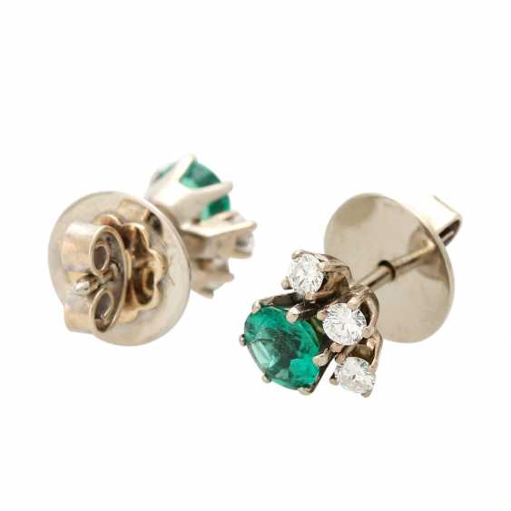 Ear studs, each with 1 emerald and 3 diamonds, - photo 3
