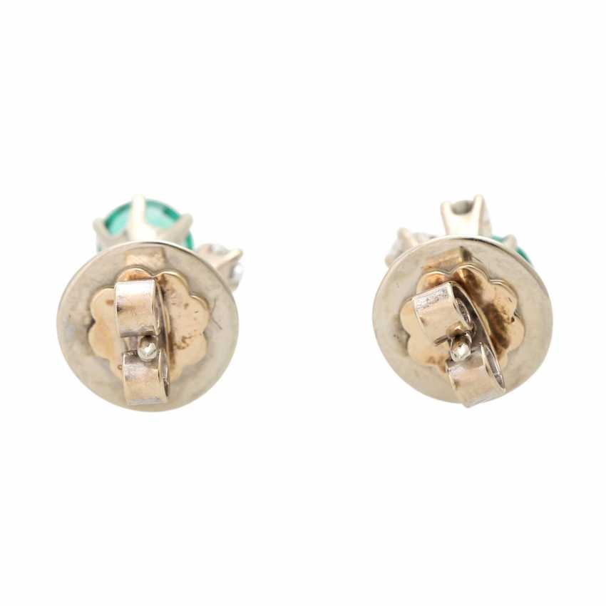 Ear studs, each with 1 emerald and 3 diamonds, - photo 4