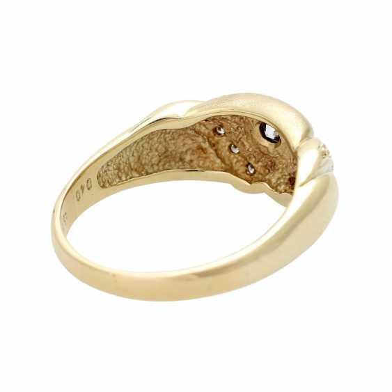 Ladies ring studded with 9 diamonds - photo 3