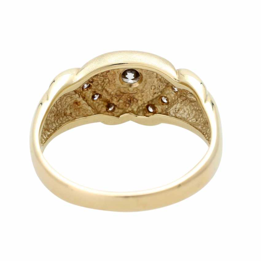 Ladies ring studded with 9 diamonds - photo 4