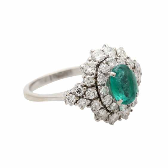 Ladies ring with emerald & Brilliant stocking. - photo 2